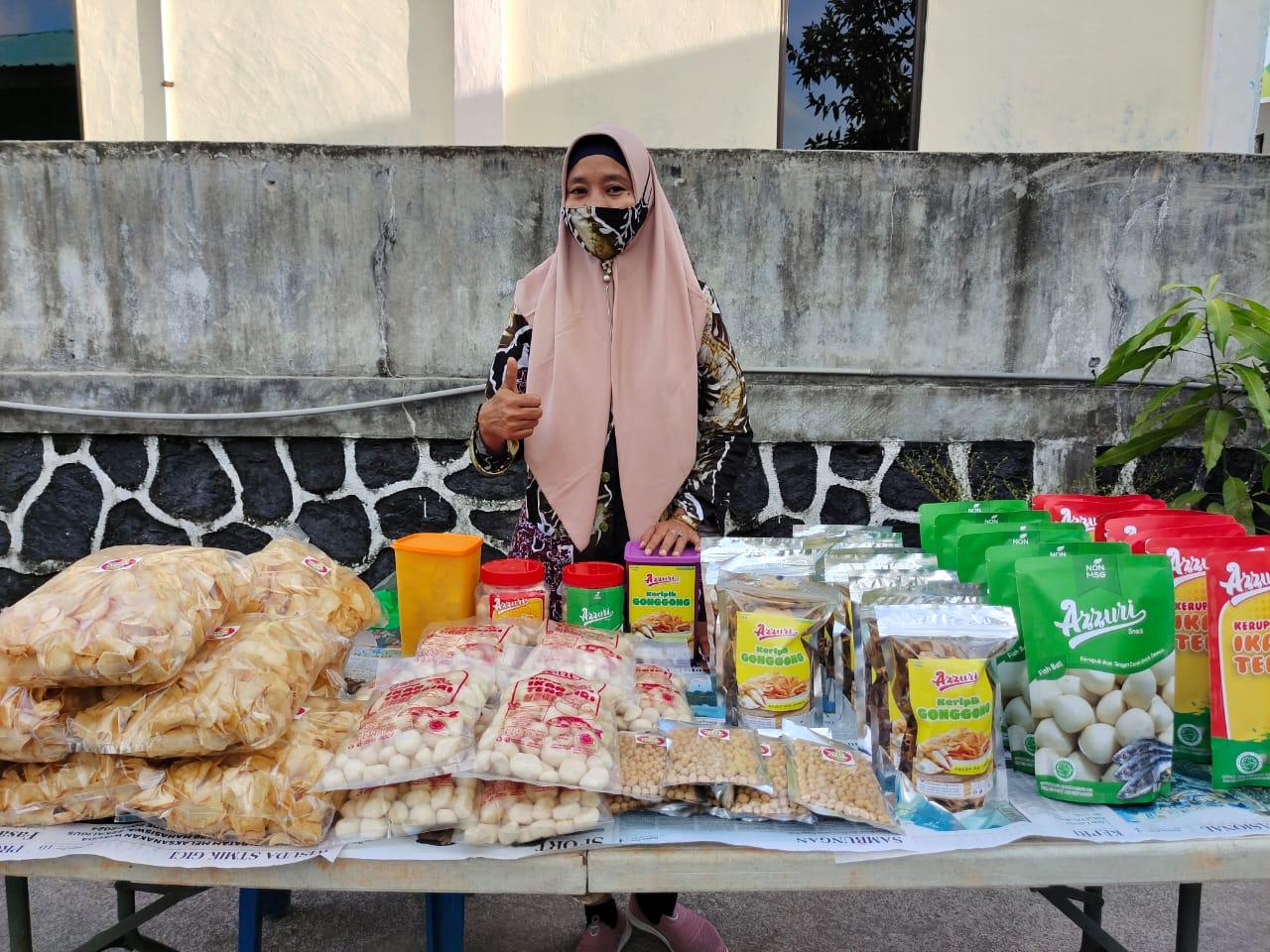 Anggota Poklahsar binaan Dinas Perikanan berpartisipasi dalam kegiatan Pasar Tani yang digelar Dinas Ketahanan Pangan dan Pertanian di Sekupang.