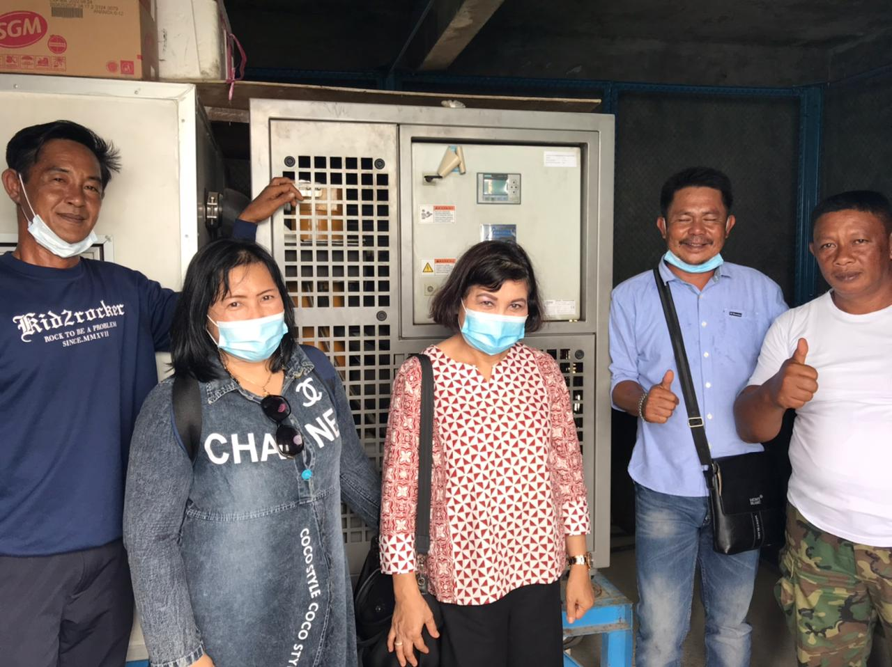 Monitoring dan evaluasi pemanfaatan ice flake machine (IFM) bantuan pemerintah di Poklahsar Surya Ice, Pulau Mongkol Kel. Pemping Kec. Belakang Padang.