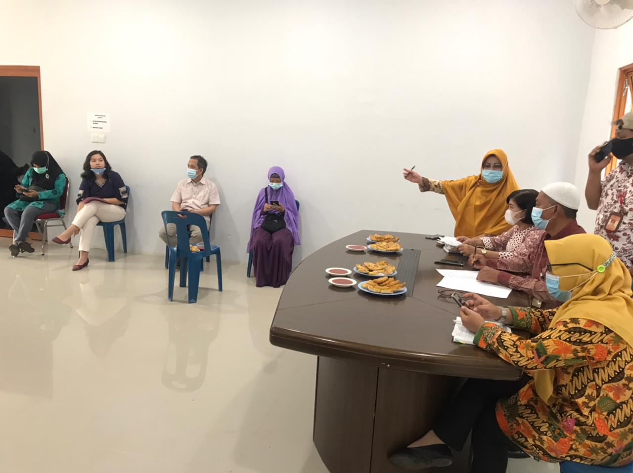Rapat bersama kelompok binaan Dinas Perikanan terkait rencana keikutsertaan dalam Bazar Wonderfood Ramadhan 2021.