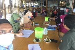 Pembinaan dan penilaian Poklahsar Cahaya Tanjung Gundap di Kel. Tembesi Kec. Sagulung.