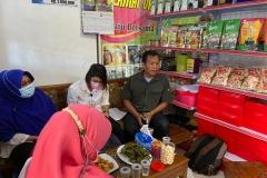 Tim-Diskan-melakukan-penilaian-kelas-kelompok-perikanan-Poklahsar-Restu-Ibu-di-Bengkong-Laut-Kecamatan-Bengkong.
